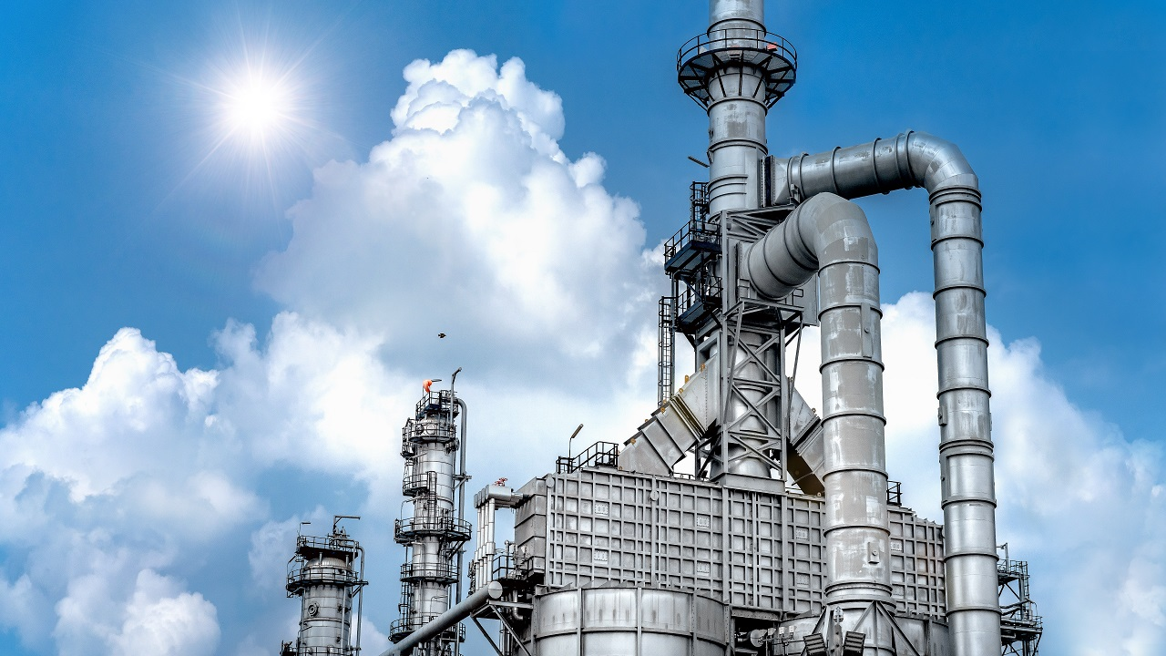 The Ruwais refinery has a capacity of 600,000 barrels/day. Credit: Red ivory / Shutterstock.