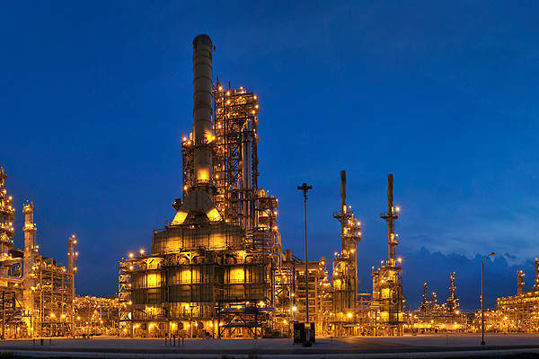 Top 10 large oil refineries