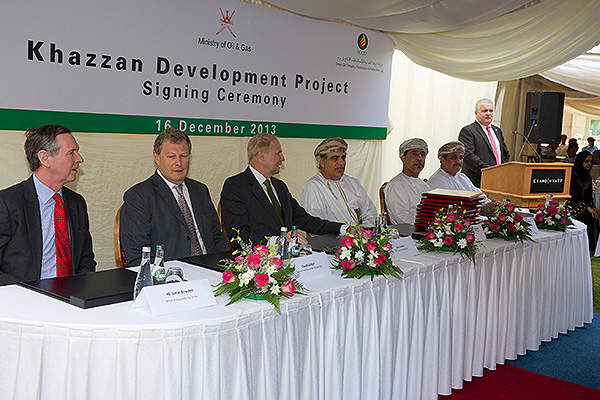 The Oman's Ministry of Oil and Gas (MOG) and BP Oman signed a gas sales and an amended production sharing agreement for the development of the Khazzan gas field in December 2013.