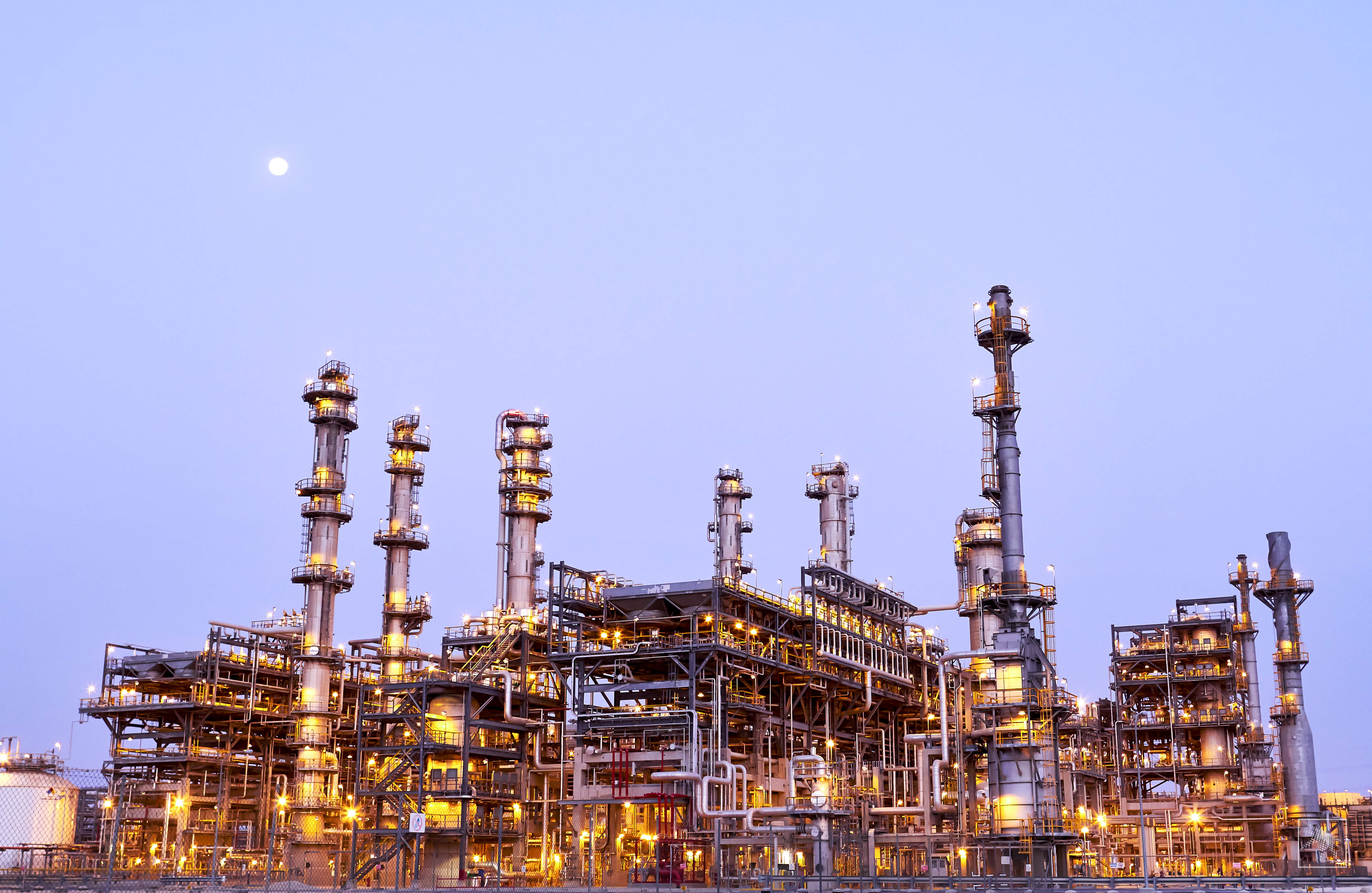 Middle East oil producers target petrochemicals for growth