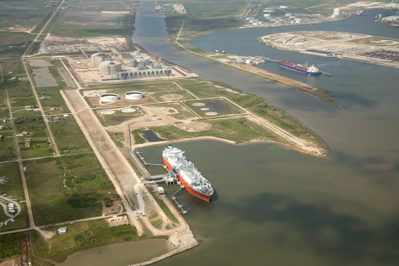 Freeport LNG expansion FERC approval
