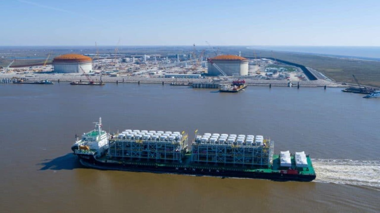 The Calcasieu Pass export terminal will incorporate modular LNG liquefaction technology comprising two trains of natural gas liquefaction. Credit: Venture Global.