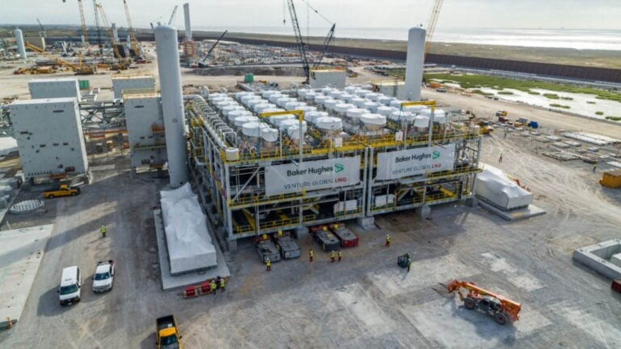 The LNG facility will comprise nine pre-cooled single mixed refrigerant blocks, each with a nameplate liquefaction capacity of 1.2Mtpa. Credit: Venture Global.