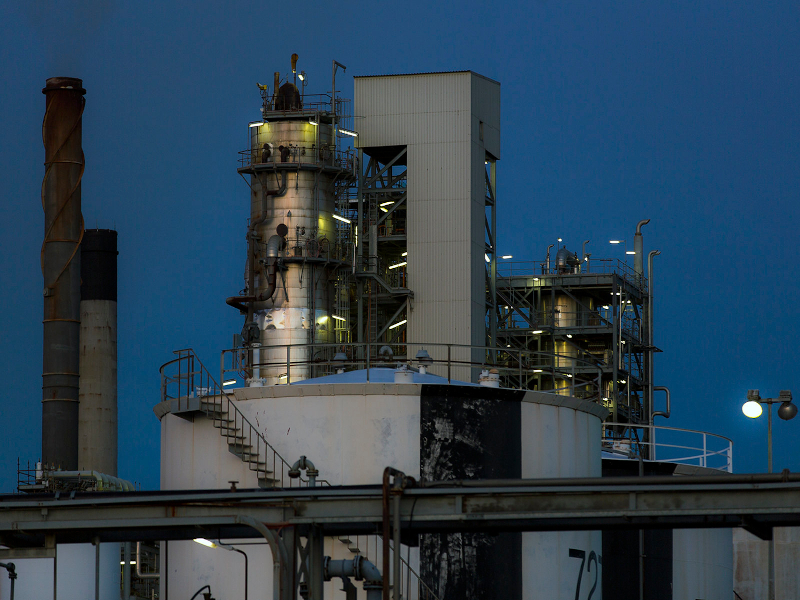 Geelong refinery located adjacent to Corio Bay in Geelong, Australia is being converted into an energy hub. Image courtesy of Terry Chapman.
